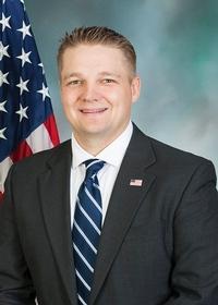 Aaron  Bernstine